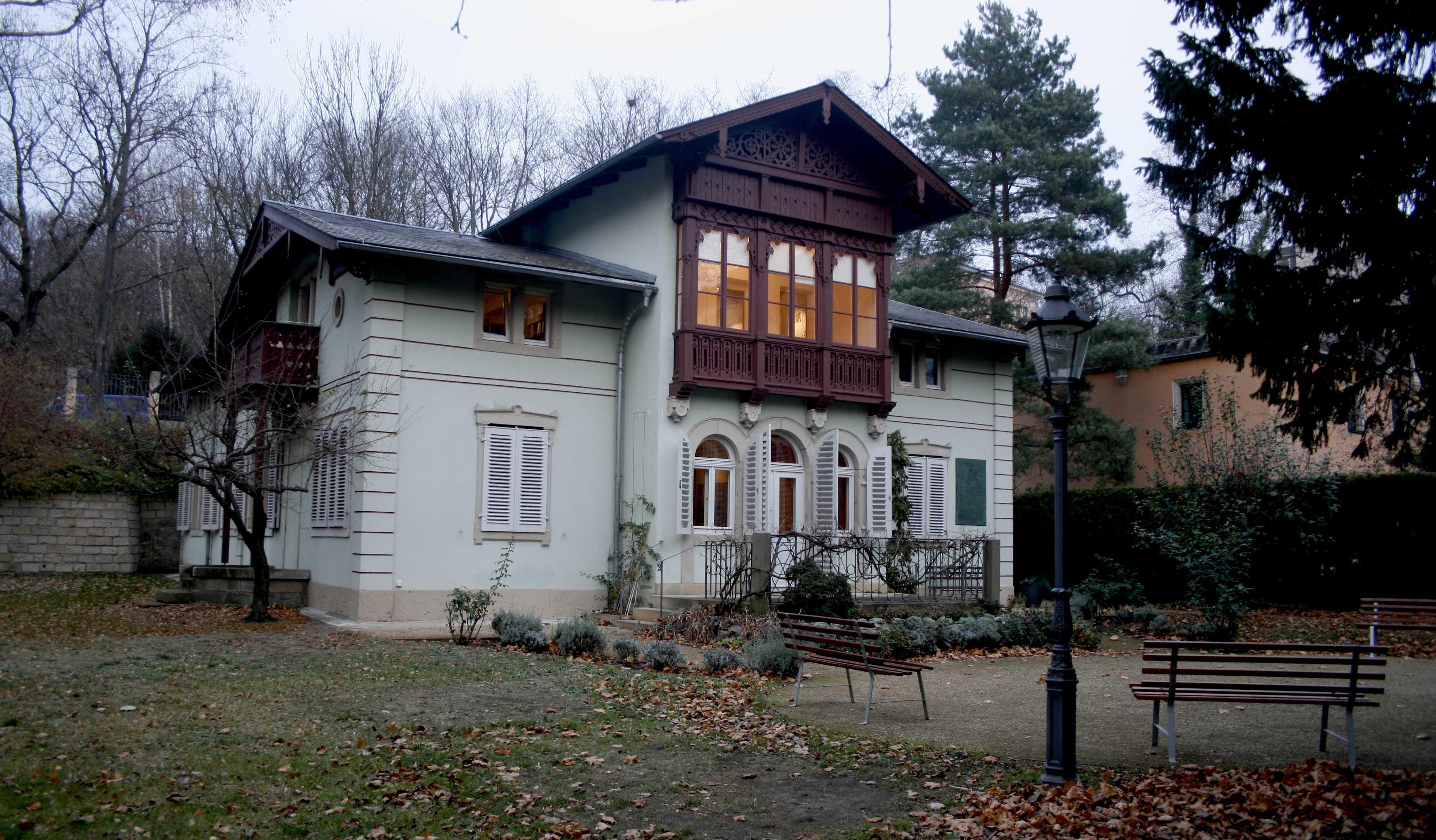 Hier lebte der polnische Schriftsteller Kraszewski im 19. Jahrhundert.