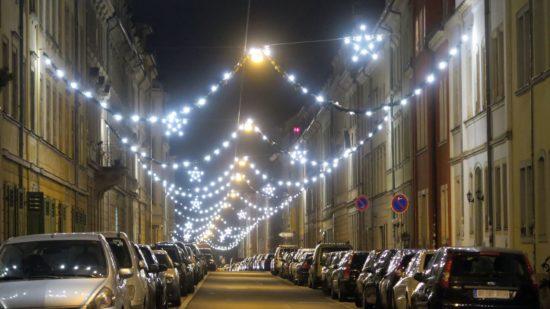 Weihnachtsbeleuchtung auf der Prießnitzstraße