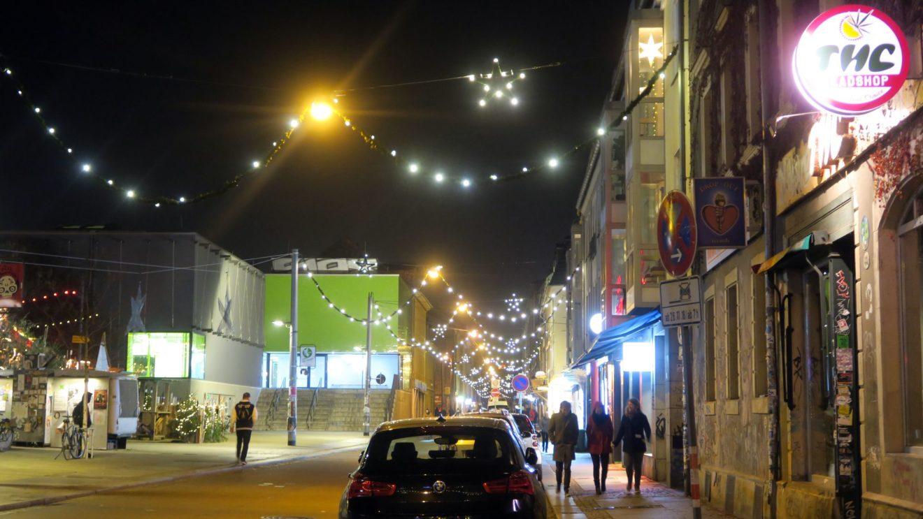 Weihnachtsbeleuchtung auf der Alaunstraße