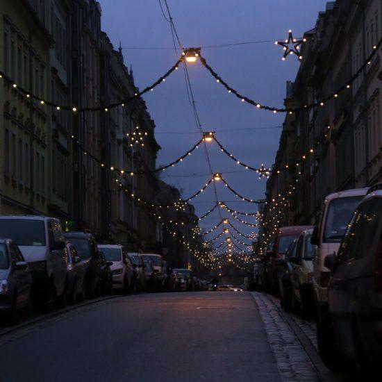 Weihnachtsschmuck auf der Prießnitzstraße