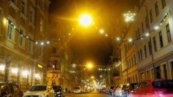 Louisenstraße mit Weihnachtsschmuck