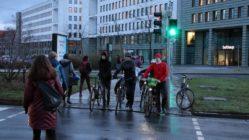 Teil der ausgewiesenen Umleitung: die Fußgängerampel am Carolaplatz