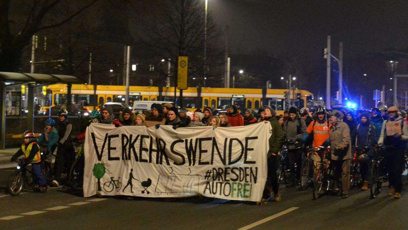 Fahrraddemo auf der Albertstraße - Foto: Grüne Jugend
