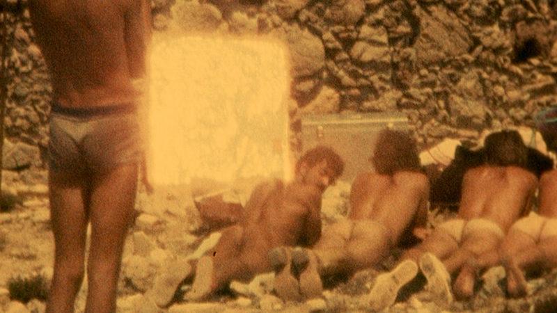 Gezeigt werden unter anderem Filme, die Dynamiken von Beleidigung und Diskriminierung thematisieren. Ausschnitt aus SEBASTIAN WRAP (1975) von Derek Jarman / Foto: LUMA Foundation