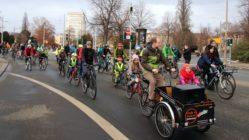 Start der Fahrraddemo am Albertplatz