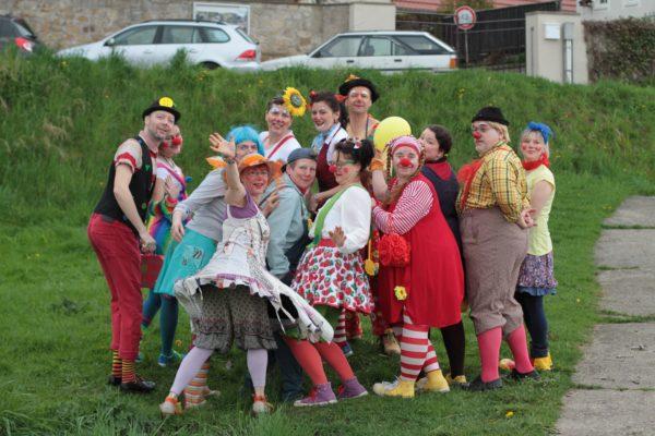 Ehrenamtlich komisch. Das Team der Klinik-Clowns. Foto: MediClowns