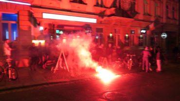 Kleine pyrotechnische Einlage auf der Alaunstraße