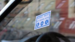 Mit solchen Spuckis werden Falschparker gekennzeichnet.