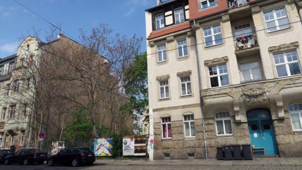 Zwischen den zwei Jugendstil-Häusern soll ein moderner Neubau entstehen.