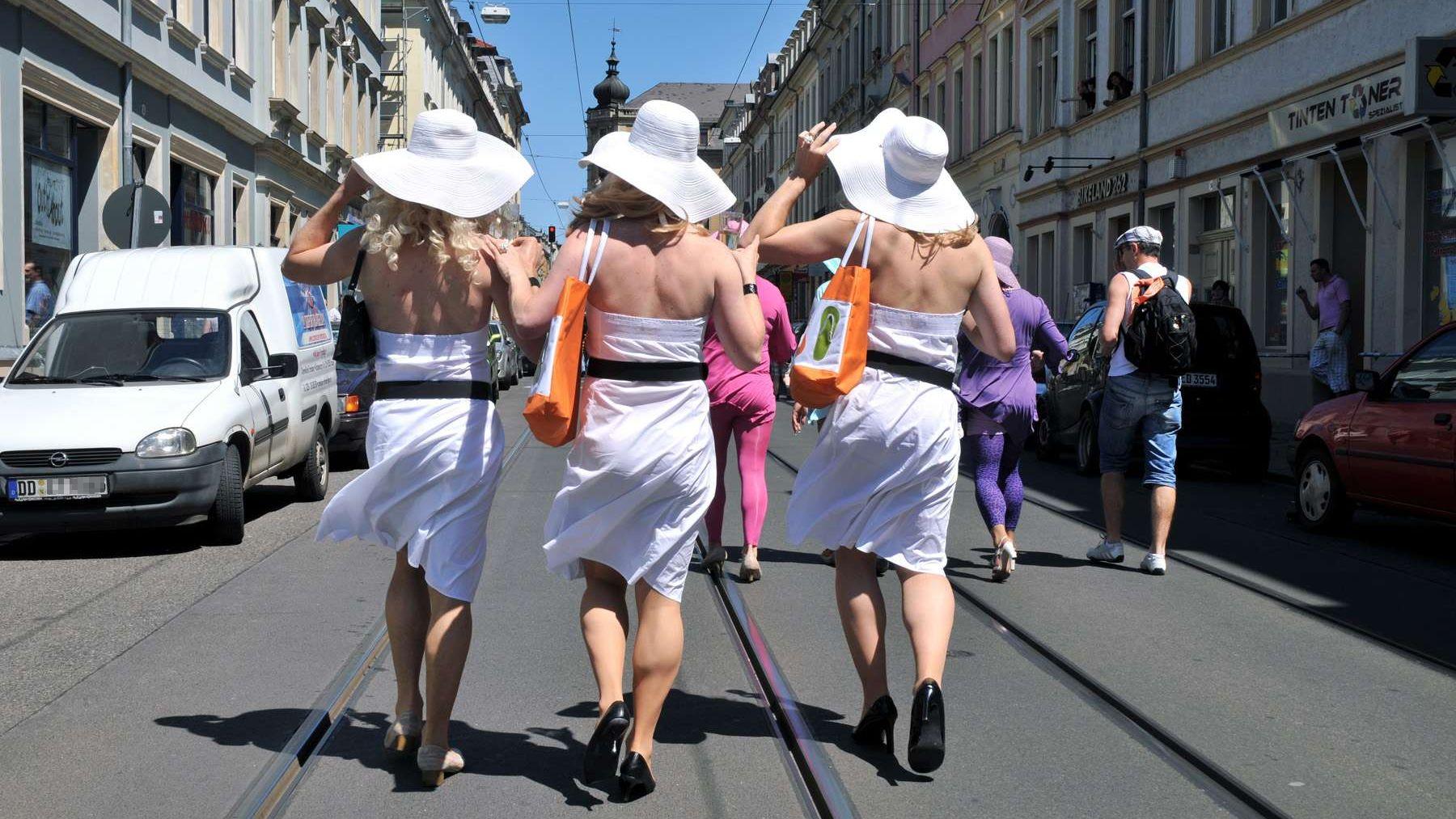 CSD-Parade auf der Rothenburger Straße - Foto: Archiv 2009