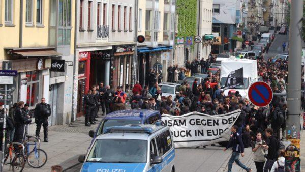 Auftaktkundgebung auf der Alaunstraße