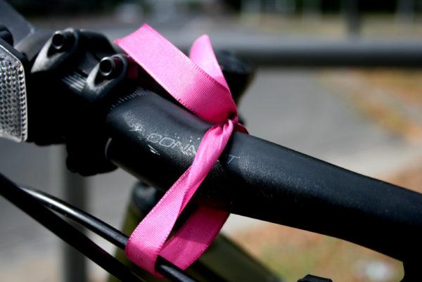Das pinke Bändchen bleibt am Rad - bis zur nächsten Pendler-CM am 14. Oktober.