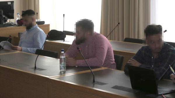 Die drei Angeklagten im Landgericht Dresden.