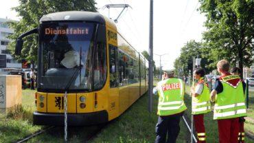 Unfallforschung und Polizei haben die Ermittlungen zur Unfallursache aufgenommen. Foto: Roland Halkasch