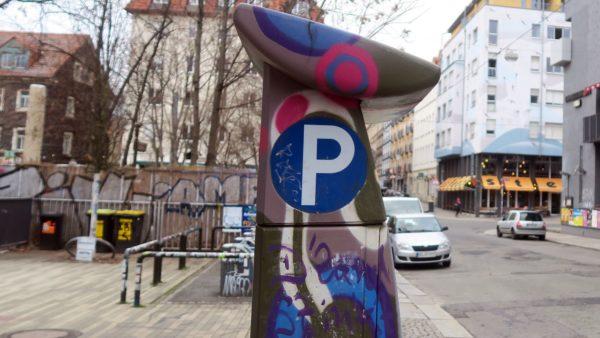 Solche Parkautomaten, wie der hier auf der Louisenstraße werden nun auch südlich der Bautzner aufgestellt.