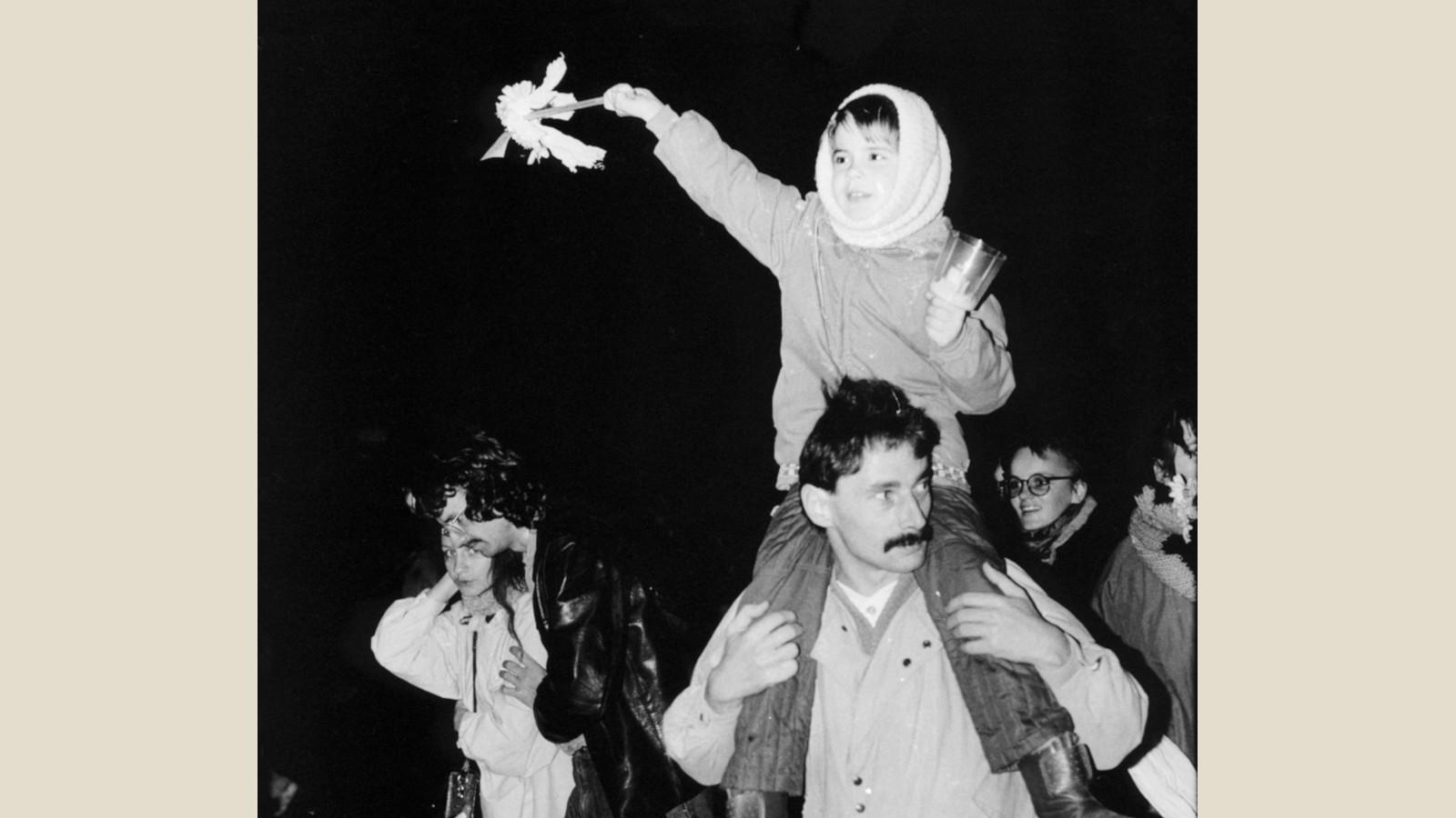 Kind und Vater auf einer Demonstration 1989 - Foto: Friedemann Dietzel