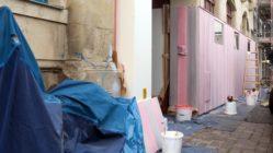 Bretterzaun als Graffitischutz