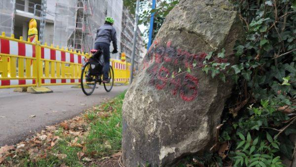 Gedenkstein an der Prießnitzstraße