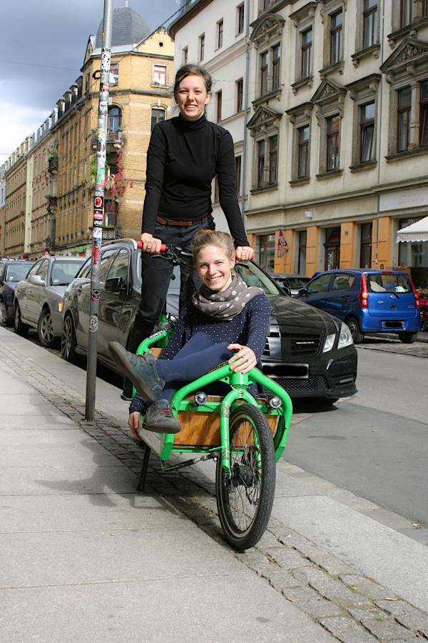 Auch mit dem Lastenrad lässt sich viel transportieren - Foto: Uta Gensichen