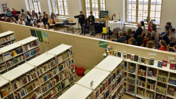 Schulbibliothek im Romain-Rolland-Gymnasium