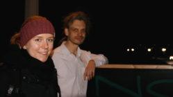 Klara Kreuzinger und Christian Bläul von Extinction Rebellion kritisieren den Skiweltcup.