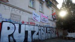 """Die Besetzer*innen haben das Gelände """"Putzi"""" getauft."""