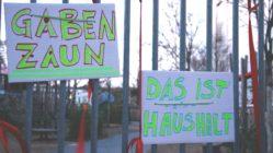 Weitere Gabenzäune befinden sich am Bischofsplatz und vor der Post an der Königsbrücker Straße