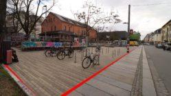 Nach den Plänen soll die Scheune bis zum Fußweg vorgerückt werden.