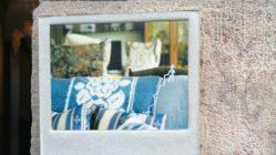 Wohnzimeratmosphäre an der Hauswand