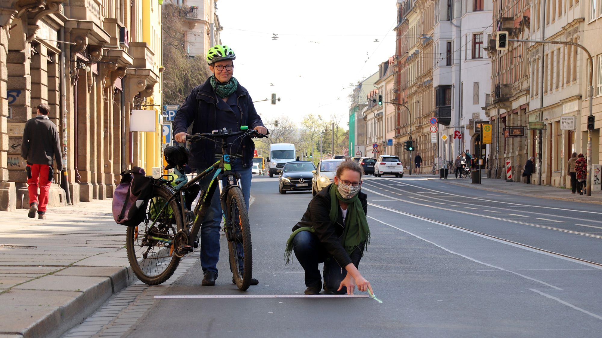 Ulrike Caspary und Susanne Krause fordern Pop-Up-Spuren für den Radverkehr