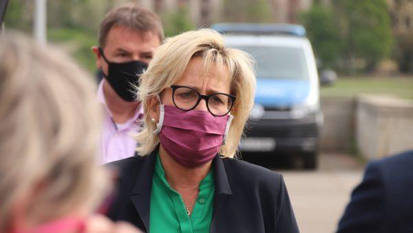 Tourismusministerin Barbara Klepsch hörte sich die Forderungen der Branche an.