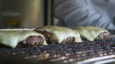 Gehacktes mit Käse - Grundlage eines guten Burgers
