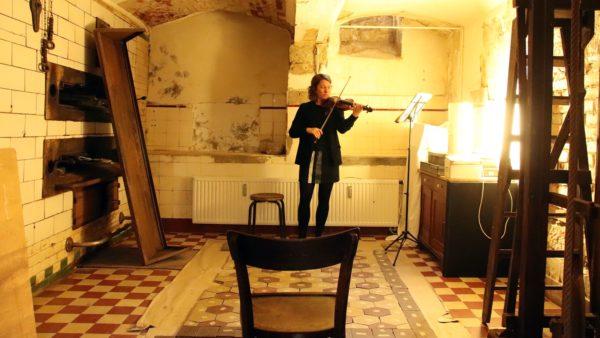 Deborah Jungnickel an der Violine