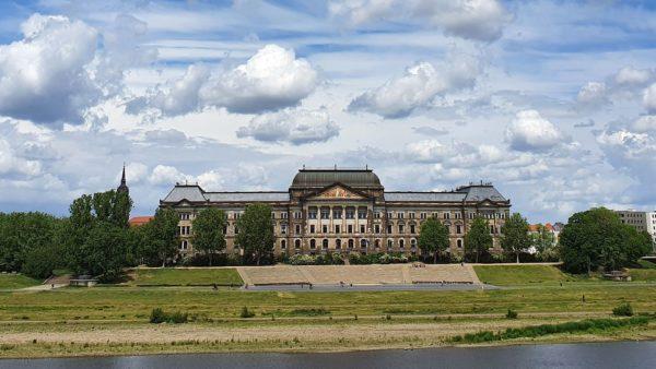 Am 17. April ist eine Kundgebung am Königsufer geplant.