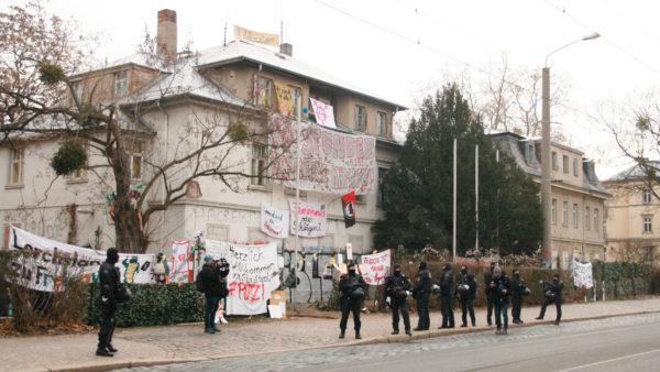 Anfang des Jahres hatten mehrere Aktivist*innen die Gebäude auf dem Putzi-Gelände besetzt.
