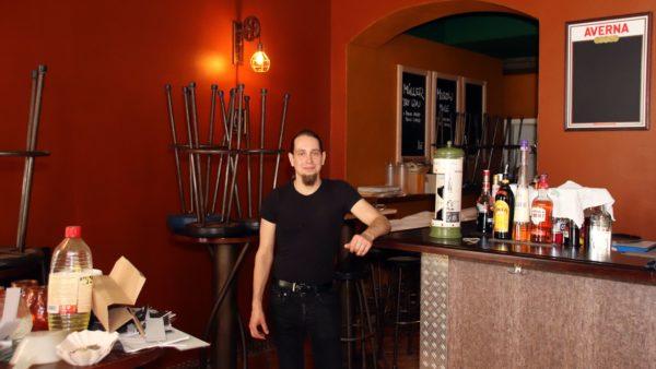 Ilja Eisoldt führt ab sofort Frank's Bar.