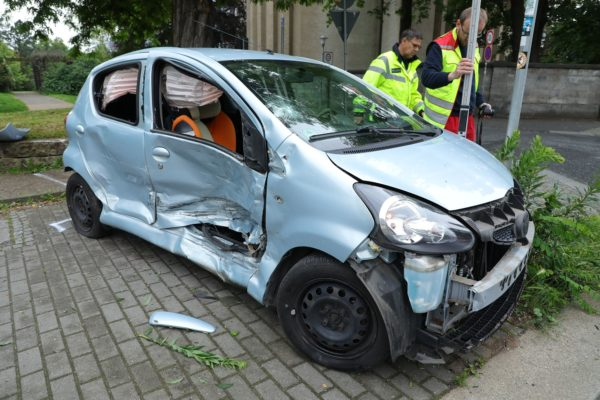 Am Toyota entstand Totalschaden. Foto: Roland Halkasch