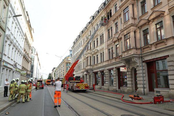 Brand auf der Hoyerswerdaer Straße - Foto: Roland Halkasch