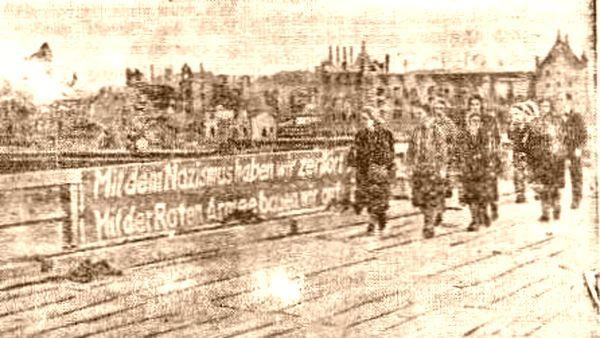 Marienbrücke 1945 - Foto Tageszeitung Dresden