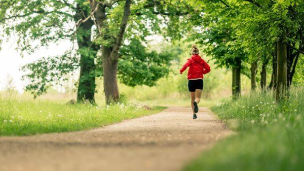 Gemütliches Joggen ist ein guter Einstieg in ein gesünderes Leben. Foto: Adobe Stock, ©blas