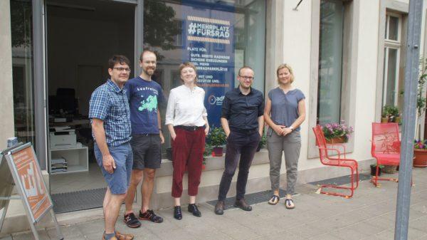 Edwin Seifert, Friedmer Richter, Josefine Zanner, Konrad Krause und Barbara Baum vom ADFC.