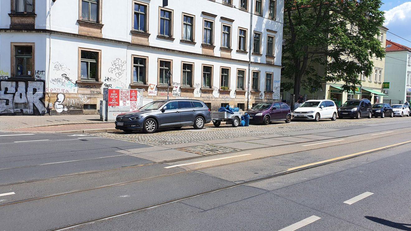 Die ersten vier Autos sind Knöllchen-Kandidaten zu je 55,- Euro.