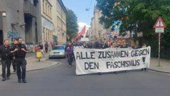 Demonstrationszug auf der Louisenstraße