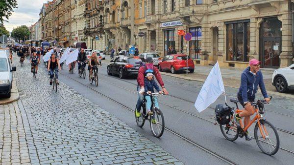 Fahrraddemo auf der Königsbrücker Straße
