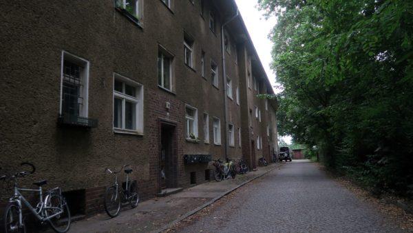 Eines der Häuser: Stauffenbergallee 49
