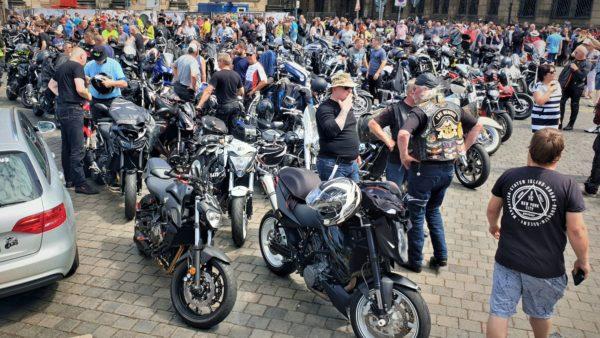 Motorrad-Demo in der Innenstadt am 4. Juli - Foto: C. Springer/unkorrekt-dresden.de