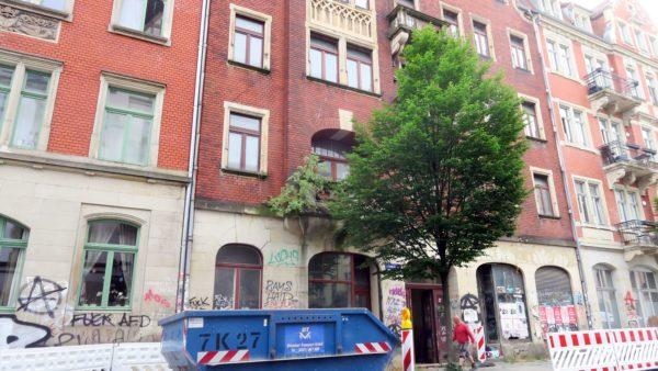 Sanierung der Lößnitzstraße 18 hat begonnen.