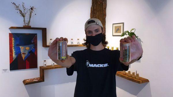 Roman Skotschenko verkauft nicht berauschende Cannabis-Produkte.