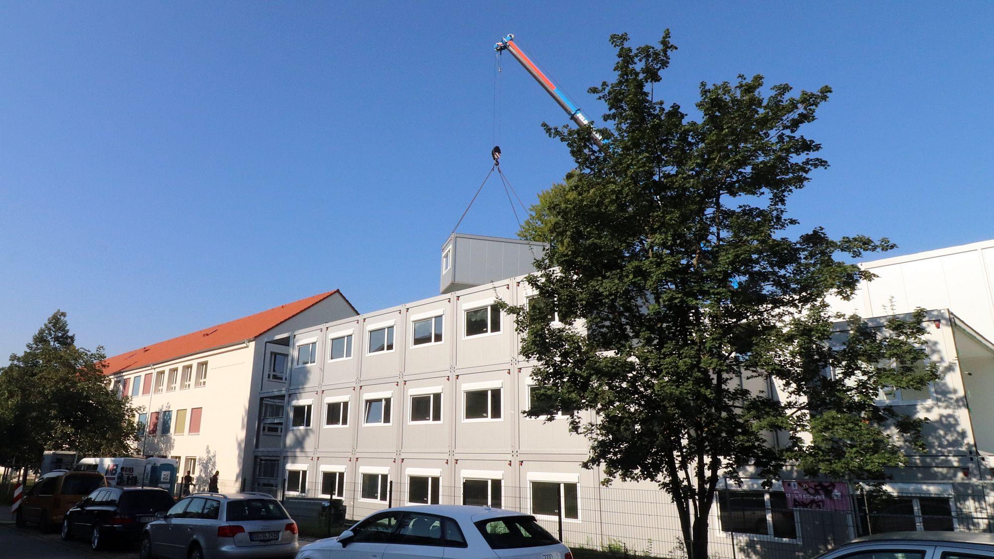 Hechtparkschule fertiggestellt - Container können demontiert werden.