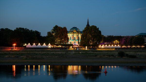 Japanisches Palais bei Nacht - Foto: Palaisommer, newpic.eu, Toni Kretschmer